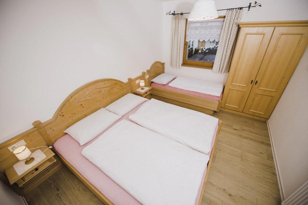 02-appartamento4-burgmann-comera-da-letto02-appartamento4-burgmann-comera-da-letto