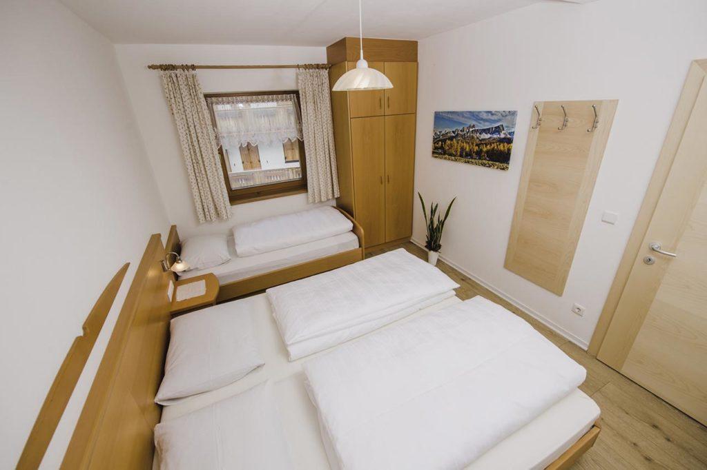 03-appartamento-3-burgmann-camera-da-letto