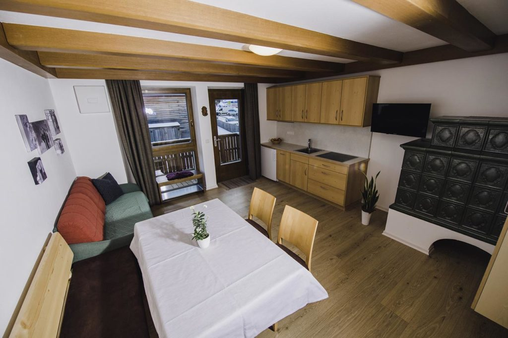 04-appartamento4-burgmann-soggiorno