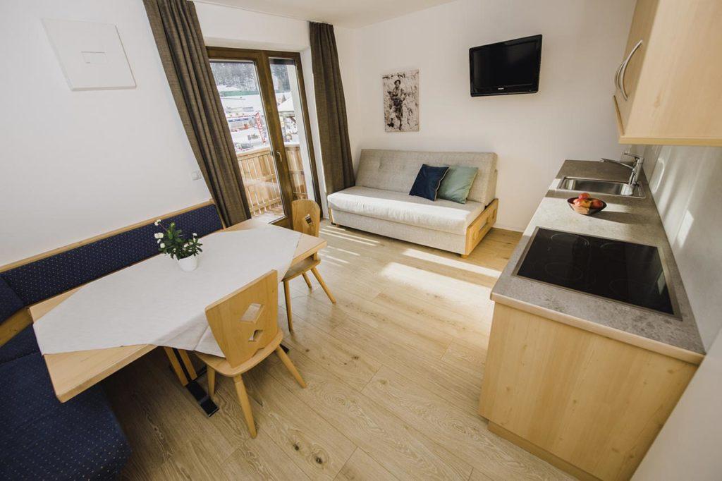 06-appartamento-3-burgmann-soggiorno