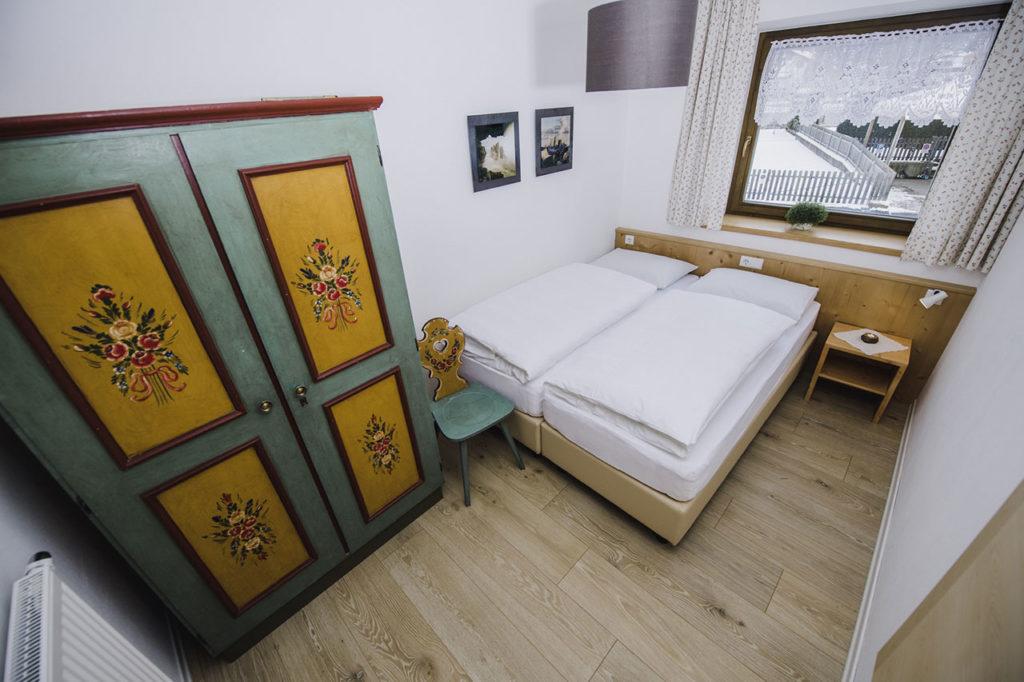 07-appartamento-1-burgmann-doppia-letti-uniti